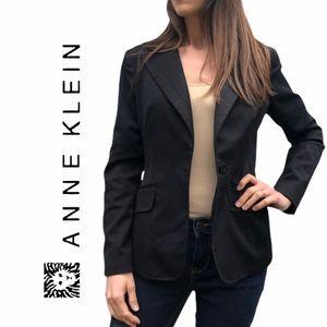 Anne Klein- One button